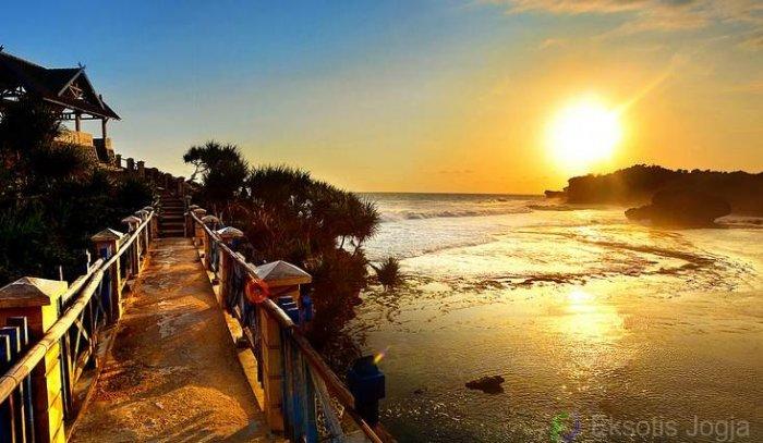 Pantai Kukup Jogja