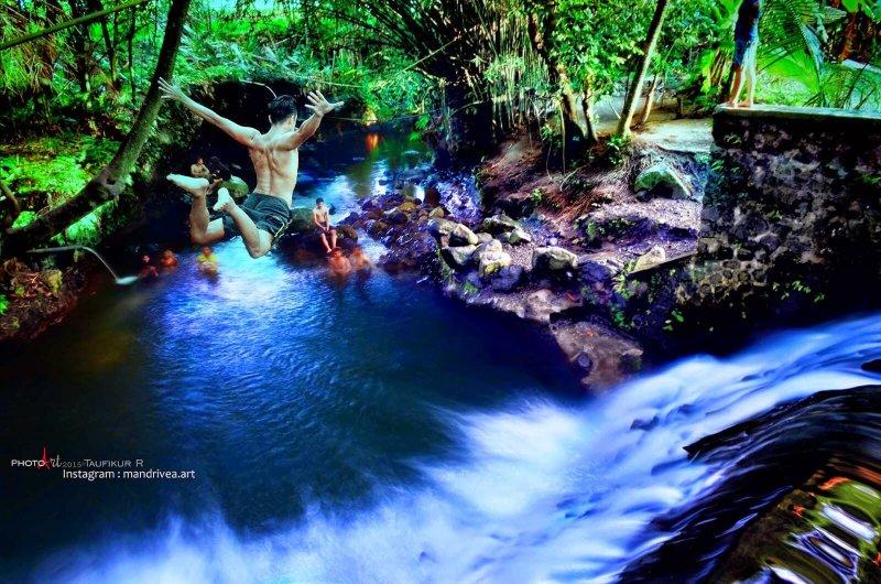 loncat blue lagoon