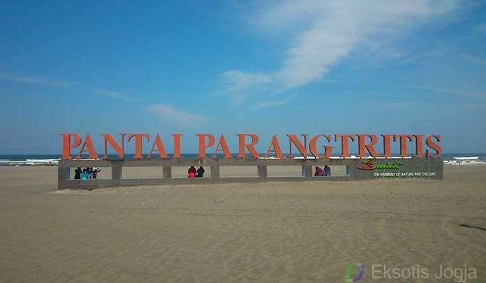 Image result for Pantai Parangtritis