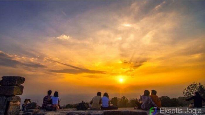 10 Spot Foto Di Candi Ijo Jogja Yang Lagi Hits 2017 Spot Sunset Di Jogja
