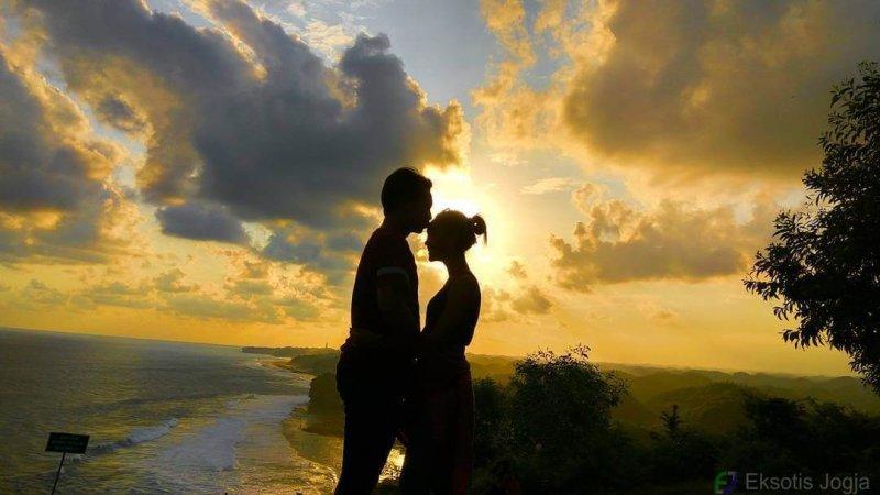 sunset-bukit-kosakora