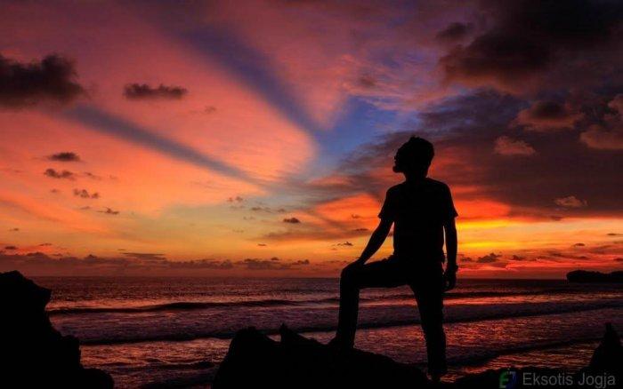 sunset-di-indrayanti