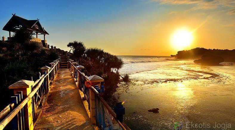 sunset-di-pantai-kukup